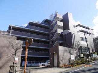 住環境豊かな「東武練馬」駅より徒歩8分。新規内装リノベーションマンションです。