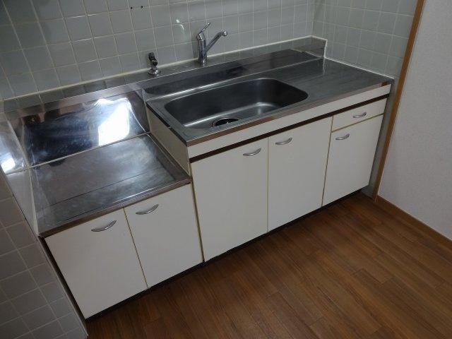 泰山ハイツ キッチン 2口コンロ設置可