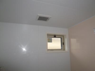 風呂窓・換気扇