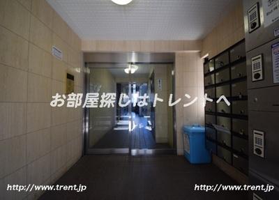 【エントランス】スカイコート神楽坂