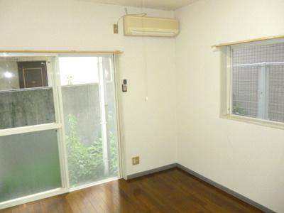 角部屋のため2方向窓があります