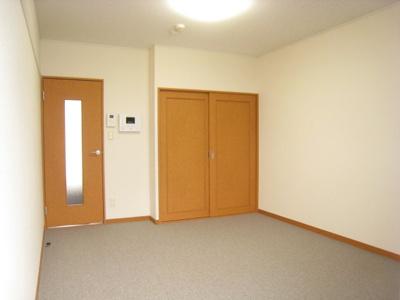 同タイプ居室:3階はじゅうたんです