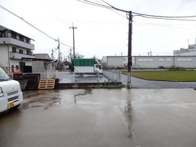 【駐車場】松本リース倉庫