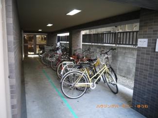 建物内に駐輪可能です。