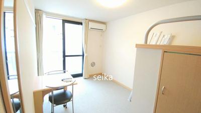 同タイプ:飾り棚の上部はお布団敷いて寝るスペース