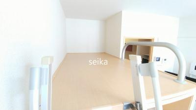 同タイプ:飾り棚の下はウォークインクローゼット