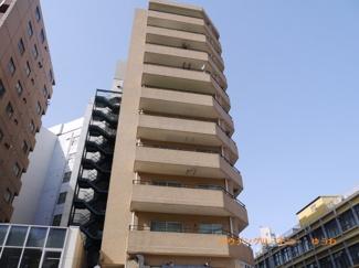 SRC造のしっかりした都会的なマンションです。
