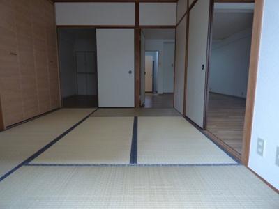 【寝室】ロイヤル九河
