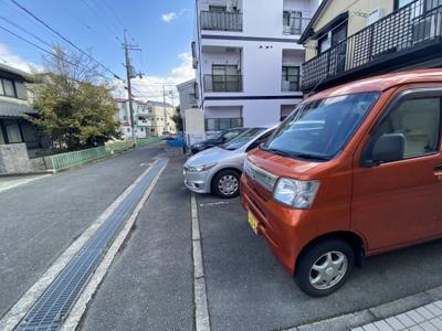 【駐車場】ハイツリバーサイド