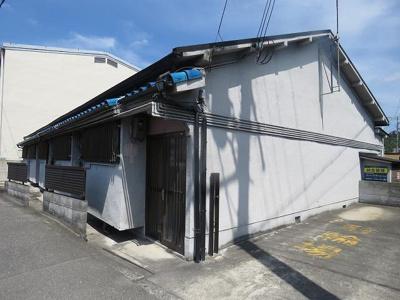 【外観】川本5戸1平屋