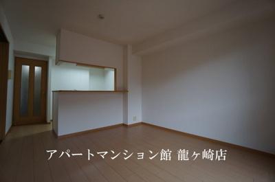 【居間・リビング】ルーチェ・デル・ソーレ