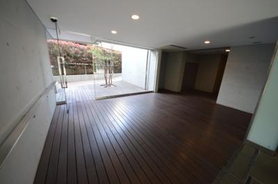 【エントランス】ピアースコード駒沢大学