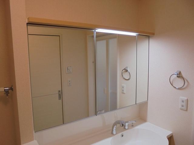 ヴィクトワール 照明付き洗面台