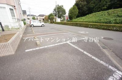 【駐車場】ガーデントップヒルズB3