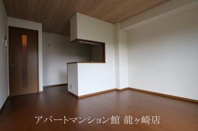 【居間・リビング】サンモール