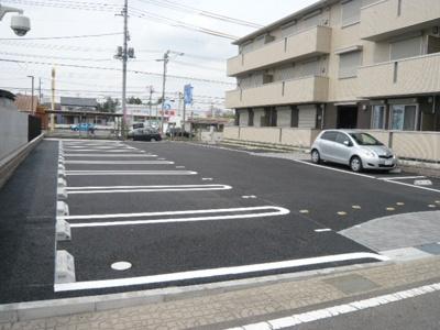 【駐車場】ヒルズ中央