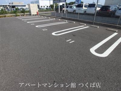 【駐車場】カーサフェリーチェ