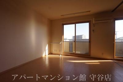 【居間・リビング】ジュネスコート