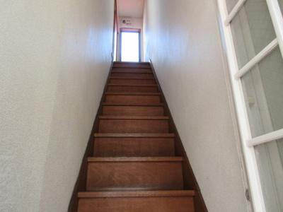 玄関~洋室入口階段