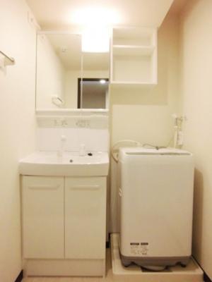 うれしい独立洗面台!洗濯機もつきます!