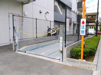 敷地内に、駐車場も完備。