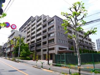 山手線「大塚」駅から徒歩9分のペット相談可能な広々2LDK。
