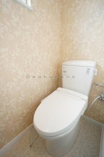 バスルーム・トイレの独立設計で快適な毎日が過ごせます。こちらをこだわる方も多いのではないでしょうか。清潔感のある空間です。
