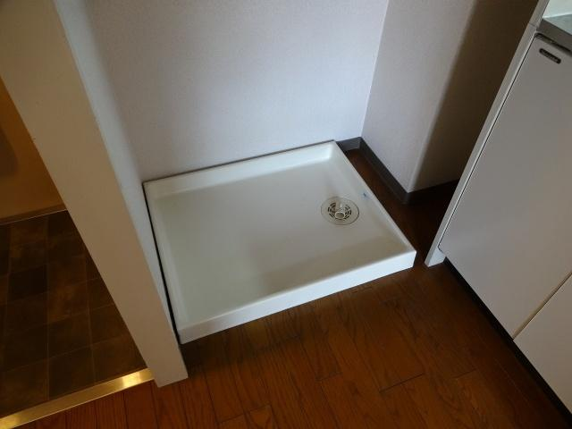 タクティ三郷 室内洗濯機置場