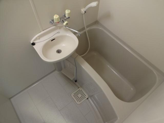 タクティ三郷 浴室