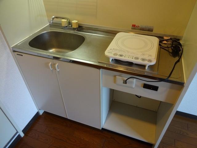 タクティ三郷 キッチン