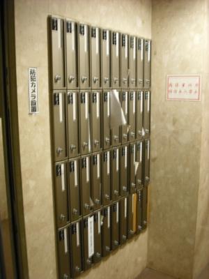 メインステージカテリーナ恵比寿駅前のメールボックスです。