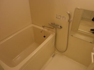 【浴室】カーサベージューⅠ