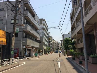 千駄ヶ谷大通り商店街‐グリーンモール沿い