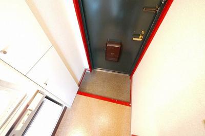 下駄箱のある玄関スペースです。