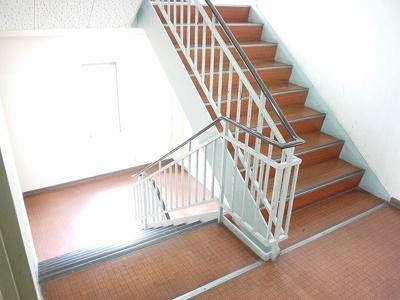 共用の階段になります