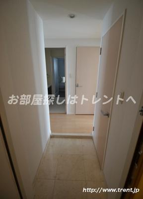 【玄関】カテリーナ代々木プレイス