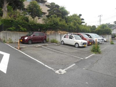 【駐車場】ファルコンウッズ