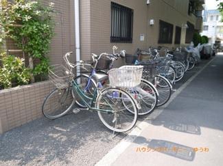 敷地内に、便利な駐輪場があります。