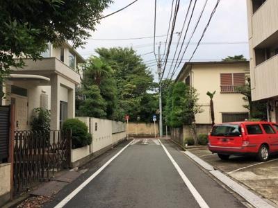 閑静な邸宅街-渋谷区神山町