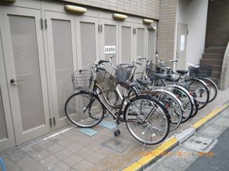 敷地内に、専用駐輪場があります。