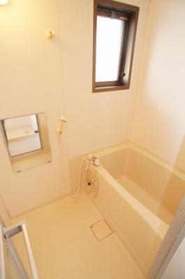 【浴室】ホワイトヴィラ弐番館