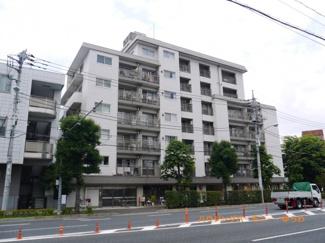 住環境豊かな三田線「志村三丁目」駅より徒歩6分。希少な角部屋リフォームマンションです。