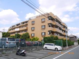 閑静な住宅街「上板橋」駅より徒歩9分に建つ、新耐震リノベーションマンションです。