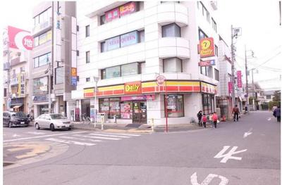 15コンビニ デイリーヤマザキ都賀駅前店(コンビニ)まで642m