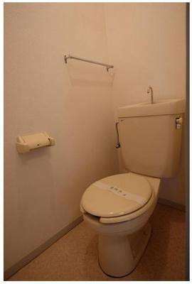 6トイレ 温水便座取り付け可能です