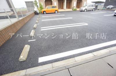 【駐車場】ベル