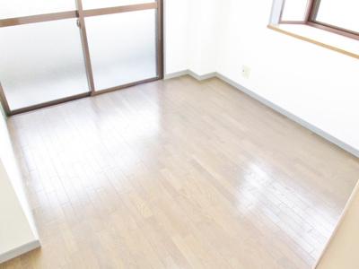 【居間・リビング】キャピタル・古市