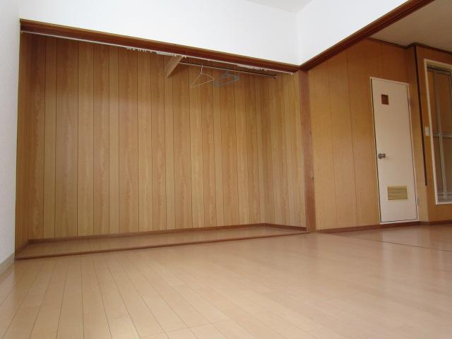 【洋室】平城ハイツ