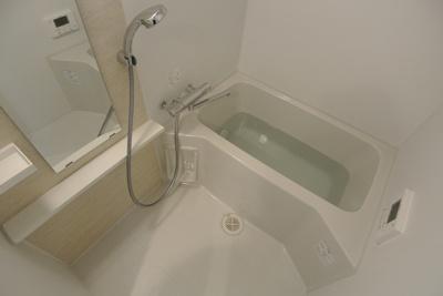 【浴室】エス・キュート梅田中崎町