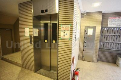 レフィナード エレベーター